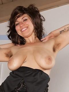 Saggy Tits Hairy Vagina Pics