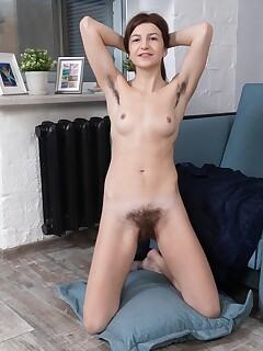 Hairy Girl Vagina Pics
