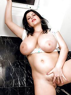 Hairy Vagina Masturbation Pics