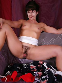 Hairy Mature Vagina Pics